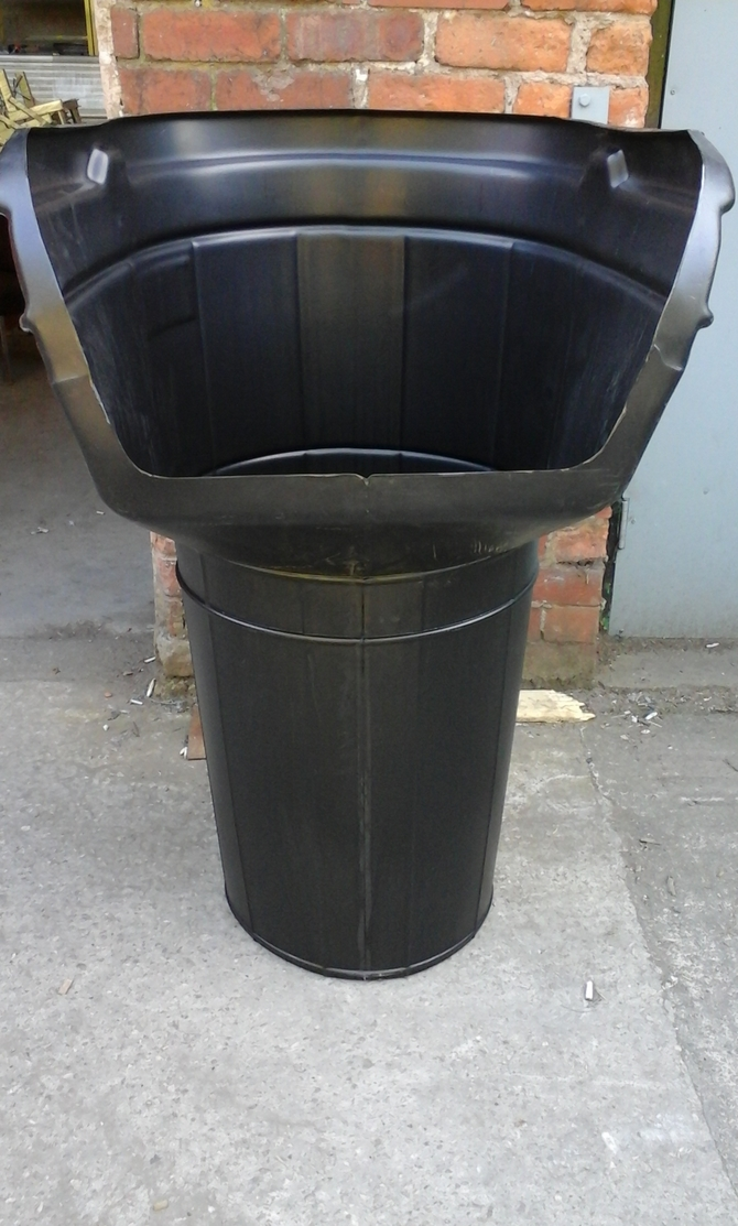 RUBBISH CHUTE TOP HOPPER BLACK